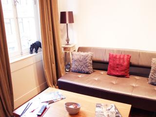 A Stately 1 Bedroom Mayfair Residence, London