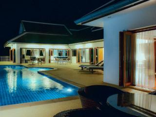 Villa E Luxury villa with swimming pool 4 bedroom