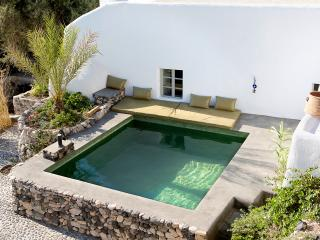 Donkey Farm - 3 Bedroom Villa with Private Pool, Emporio