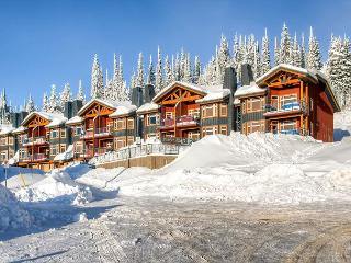 Great location at the top of Big White with outstanding views; ski in ski out