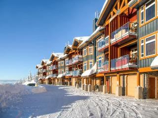 Timber Ridge 10 Monashee Heights Location Sleeps 8, Big White