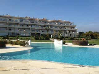 Large 3 bed apartment with sea and mountain views, Mijas