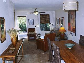2 bedroom/ 2 bath condo, newly renovated with designer finishes., Tucson