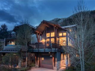 EAST END ESCAPE, Telluride