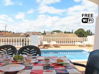 Villa with private pool perfect for holidays, L'Escala
