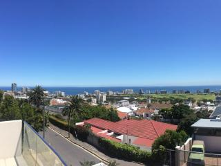 Cape Town - Sea Views, pool, luxury!