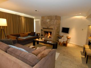 4 Bedroom + 3 Bathroom + Residence with Fireplace, San Carlos de Bariloche