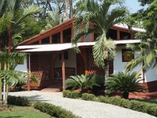Casa Teca, Pavones