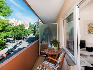 NEW and cozy. Central, near Oktoberfest + Messe