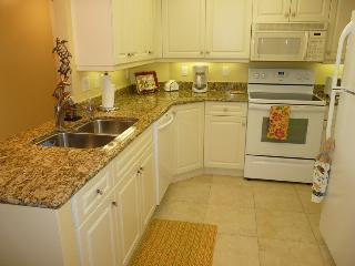 Great Value - Newly Renovated Beachfront Condo, Marco Island