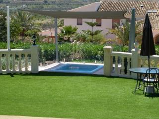 Estrella Lodge - Spanish Bedroom, Javea