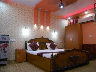 Luxury Double Room with Attached bath