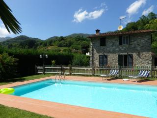 A cottage with private pool and private garden in, Pescaglia