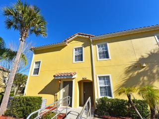 Oakwater Resort Beautiful 3 BR Condo, Orlando