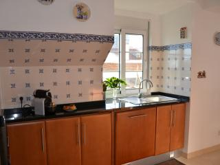 Charming 2bedroom Apartment -10min Lisbon center, Almada