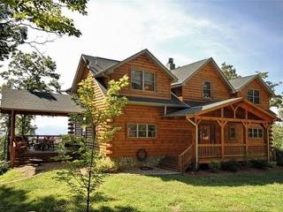 Luxury Log Cabin with Incredible Views and Privacy