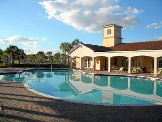 VillaSol Resort Beautiful 3 BR Condo, Orlando