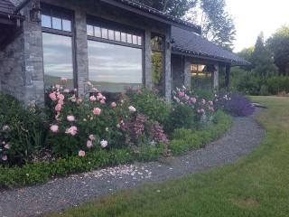 Country Bay Manor, Relax At Luxurious B&B, Nanoose Bay