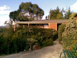 HELGRAH..with views to die for..from $135, Healesville
