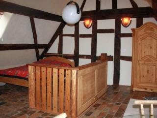 Double Room in Egelsbach - historical, comfortable, wood furnishings (# 9249)