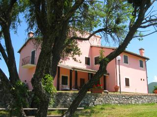VALLOCCHIA VILLA + LODGE/SLEEPS 18 - 4 kms/Spoleto