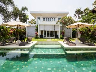 The White House Ulimate Luxury, Seminyak