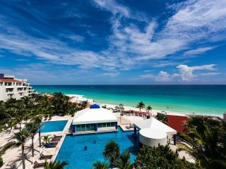 Great Beachfront Penthouse - Terrace, Cancun
