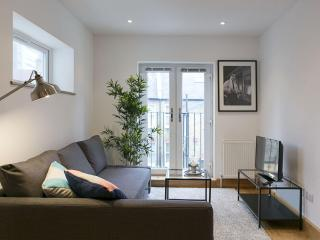 West Kensington Fulham II apartment in Hammersmith with WiFi.