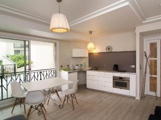 Modern, quiet, luxurious. Apartment by BON MARCHE, París