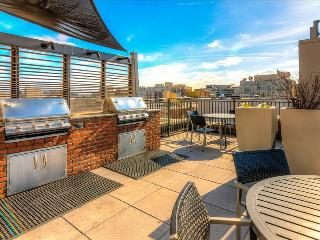 Stay Alfred Gorgeous 3BR in Downtown TC3, Washington D.C.