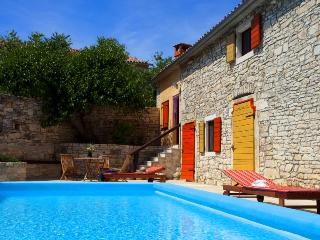 Old charm at traditional stone house Florinda, Svetvincenat
