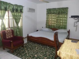 J2N GUEST HOUSE, Accra