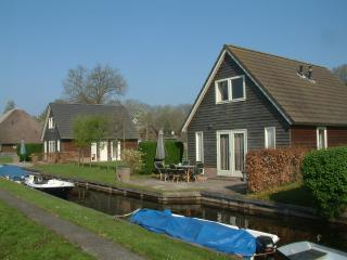 Vakantiehuis De Sloothaak in het centrum Giethoorn