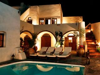 Mansion 1878 - 5 Bedroom Villa with Private Pool, Megalochori
