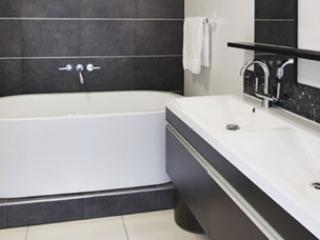 2br executive apartment,  best location, Sandton