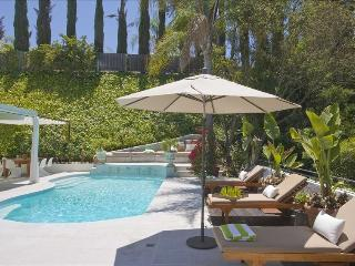 Live Like a Star in this Luxury FULLY staffed Beverly Hills Villa, 4BR+/5B