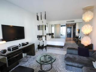 OceanView W HOTEL South Beach THIS WEEKEND SPECIALS!