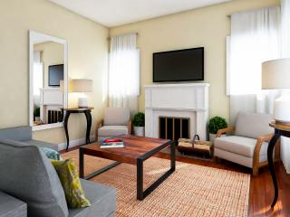 Amazing Four Bedroom Villa w/Den - Great Location! BOOK TODAY!, Nashville