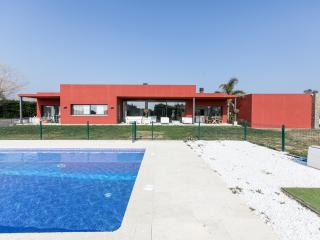 VILLA PERALADA  Modern Luxury, next to golf course GIRONA