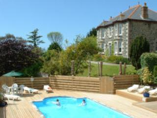Squirrels Dray Cottage self catering sleeps 4, Cury