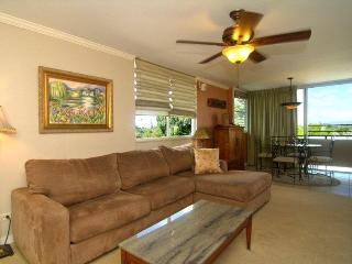 Living room and dining room. Waikiki & Diamond Head views, near beach, pool & BBQ area.