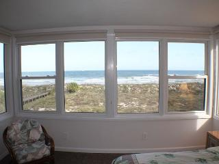 Queen of Quail, Direct Beach/Ocean Front, 3 Bedroom, 2 Bath, Upgraded Condo, Saint Augustine