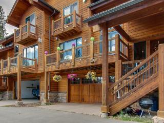 Private hot tub, epic views, minutes to mountain resorts!, Breckenridge