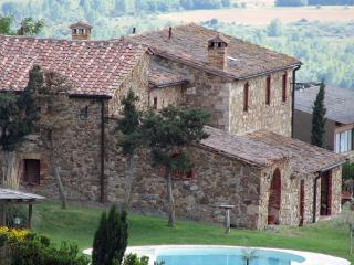 5 bedroom Independent house in Sarteano, Val d Orcia, Tuscany, Italy : ref 2307271