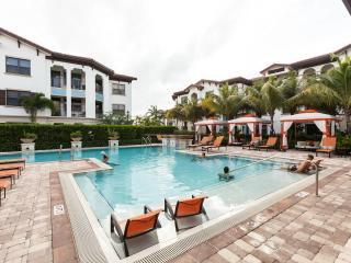 Miramar Apartment: Pool, Hot Tub, Gym - Ground Floor