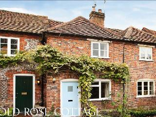 Old Rose Cottage in idyllic Chilterns village location, near Henley and Marlow