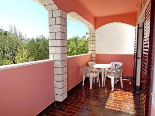 Apartments Rajko - 58401-A2, Pag