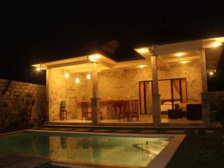 one bed room suite private villa, Sayan