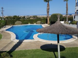 4 minute walk from Villamartin Plaza, Sleeps 4, Villamartín