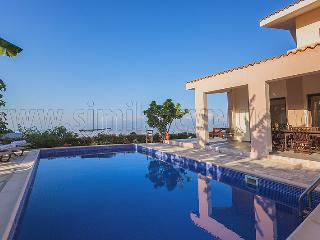 4 Bedroom Villa Katerina in Drousha Village